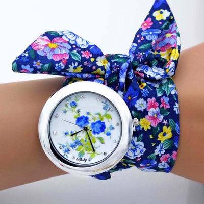 Ladies Flower Cloth Wristwatch