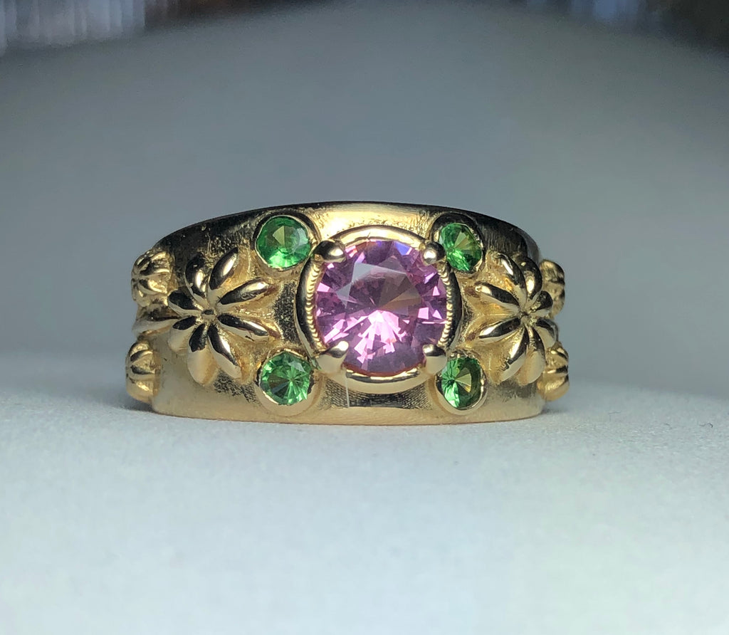 Spinel with Tsavorite Flowers