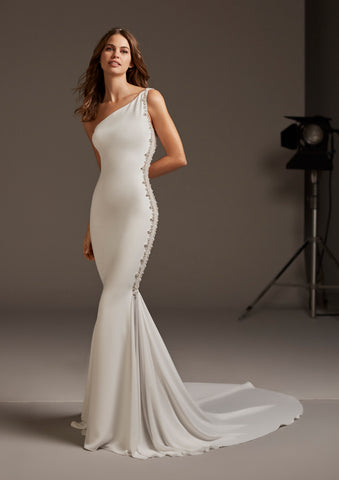 AMALTEA by PRONOVIAS 2020 CRUISE COLLECTION