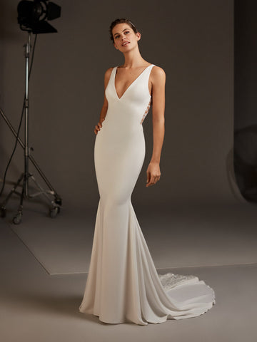 AQUILA by PRONOVIAS 2020 CRUISE COLLECTION