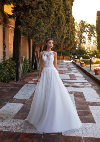 HIMALIA by Pronovias 2020 Collection