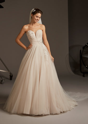 LACERTA by PRONOVIAS 2020 CRUISE COLLECTION