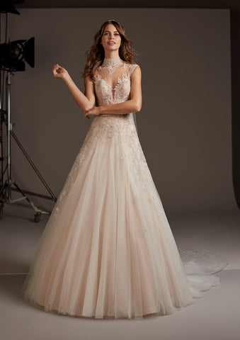 LEONIS by PRONOVIAS 2020 CRUISE COLLECTION