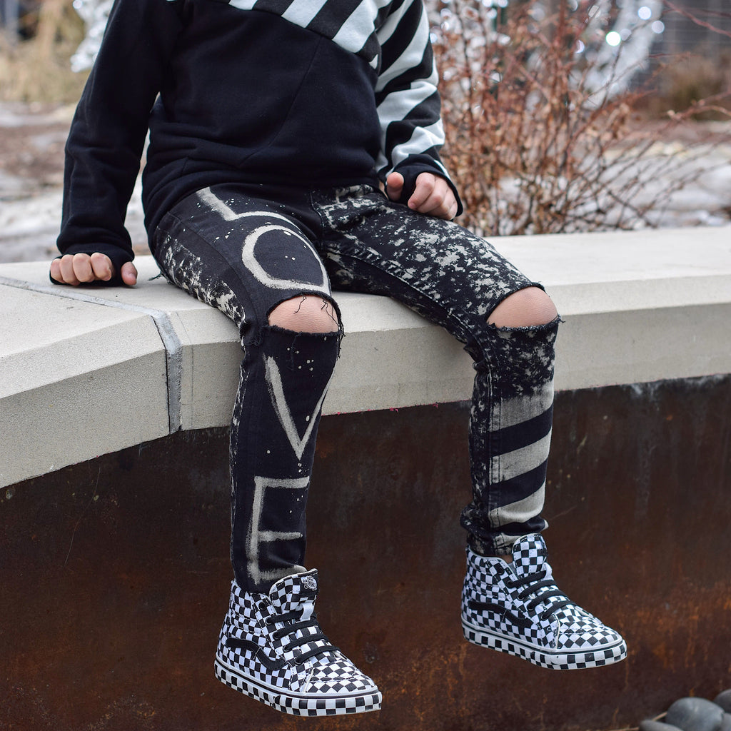 (Ready To Ship) Edgy Love Jeggings