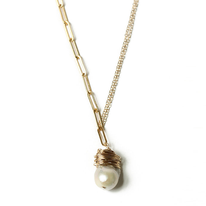 Gold Paper Clip Chain and Baroque Pearl Necklace | Malibu Beach