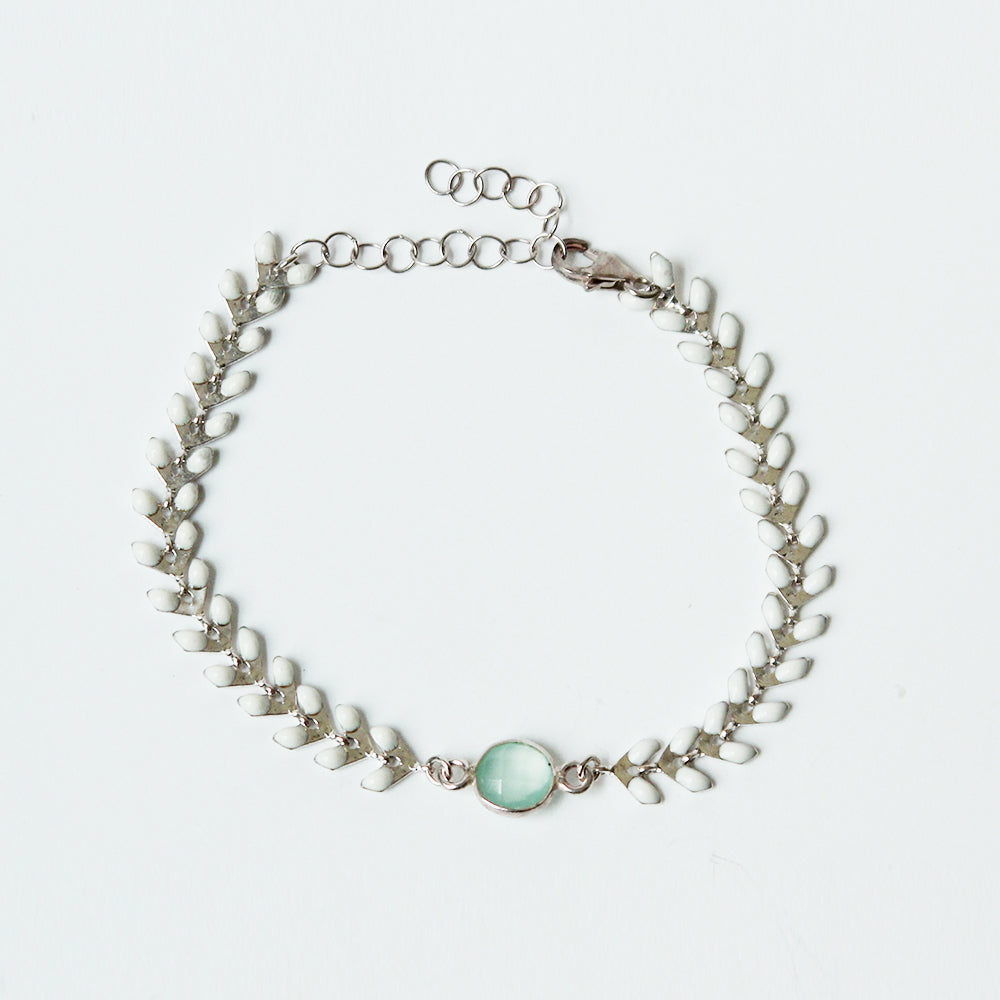 White and Silver Wheat Bracelet with Chalcedony Stone
