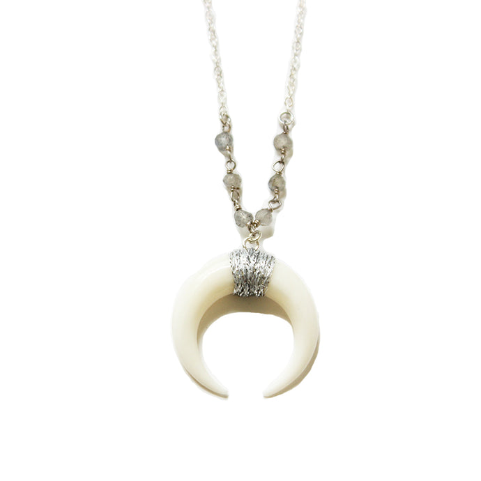 White and Silver Horn Necklace 18