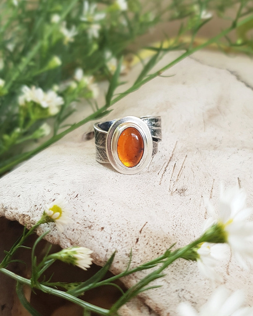 Callistemon Leaf Ring with Amber ≫∘