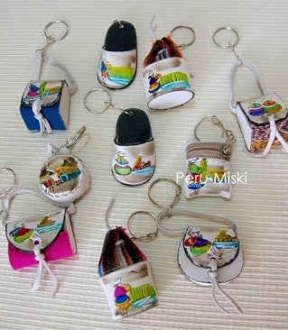 100 Badana Keyrings, handmade, from Peru