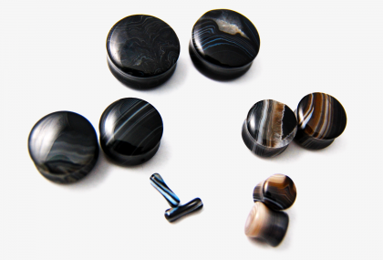 Double Flare Black Line Agate Plugs