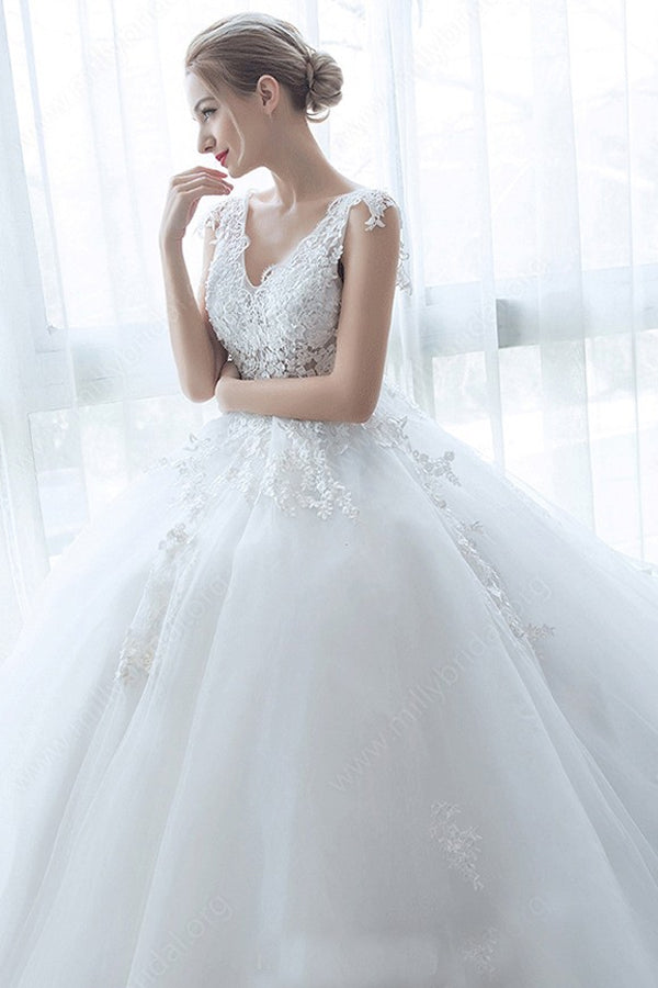 White Most Popular Appliques Lace Court Train Tulle V-neck Wedding Dresses