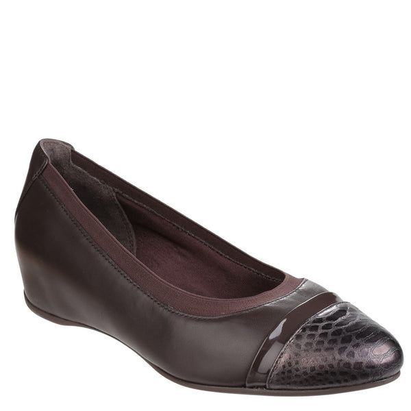 Rockport Total Motion Esha Evan Layer Slip on Wedge Pump
