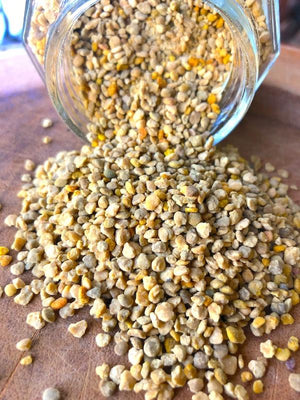 Many shades of yellows and green.  Bee pollen granules helps with inflammation, the digestive health, infertility, skin health, blood pressure and heat health.