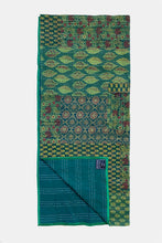 Green patchwork izar