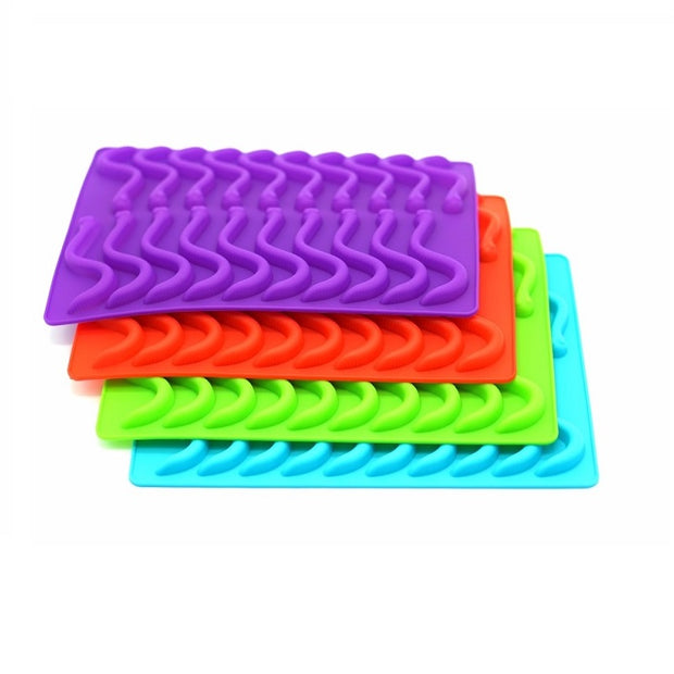 Silicone Gummy Worm Ice Cube Tray w/dropper