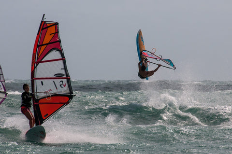 windsurf with friends