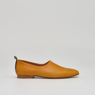 ballet flat leather shoe in ochre