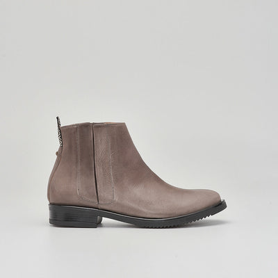 ash brown leather chelsea boot