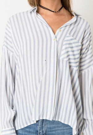 front view oversized untucked button down shirt