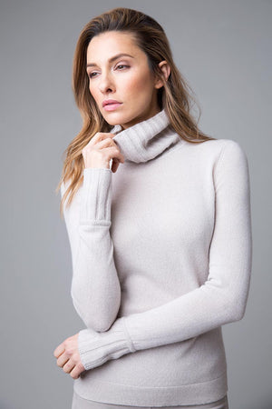 CHUNKY TRIM TURTLENECK SWEATER