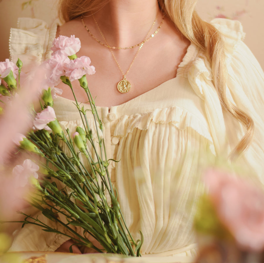Anna gold chain necklace