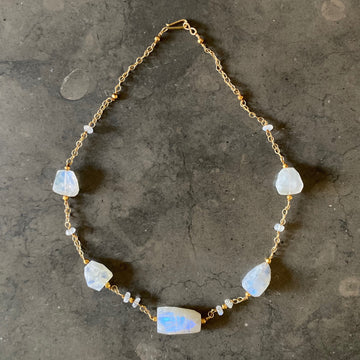 Moonstone and Gold Filled Chain Necklace (MOO_031j)