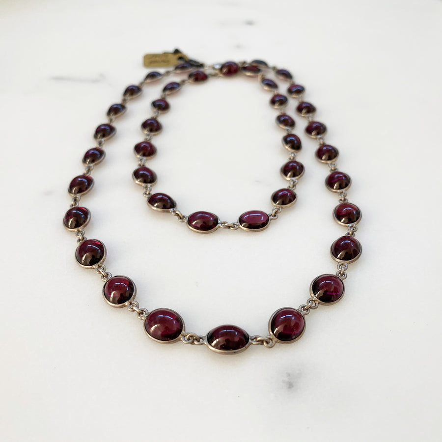 Oval Garnet and Silver Necklace (VIN_034j)