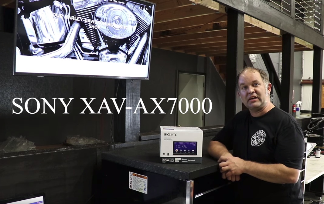 Sony XAV-AX7000 / Sony XAV-AX5000 Comparison Video