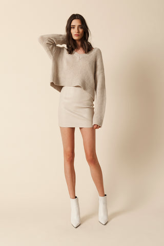 CALI CASHMERE V-NECK | CAMEL-FINAL SALE