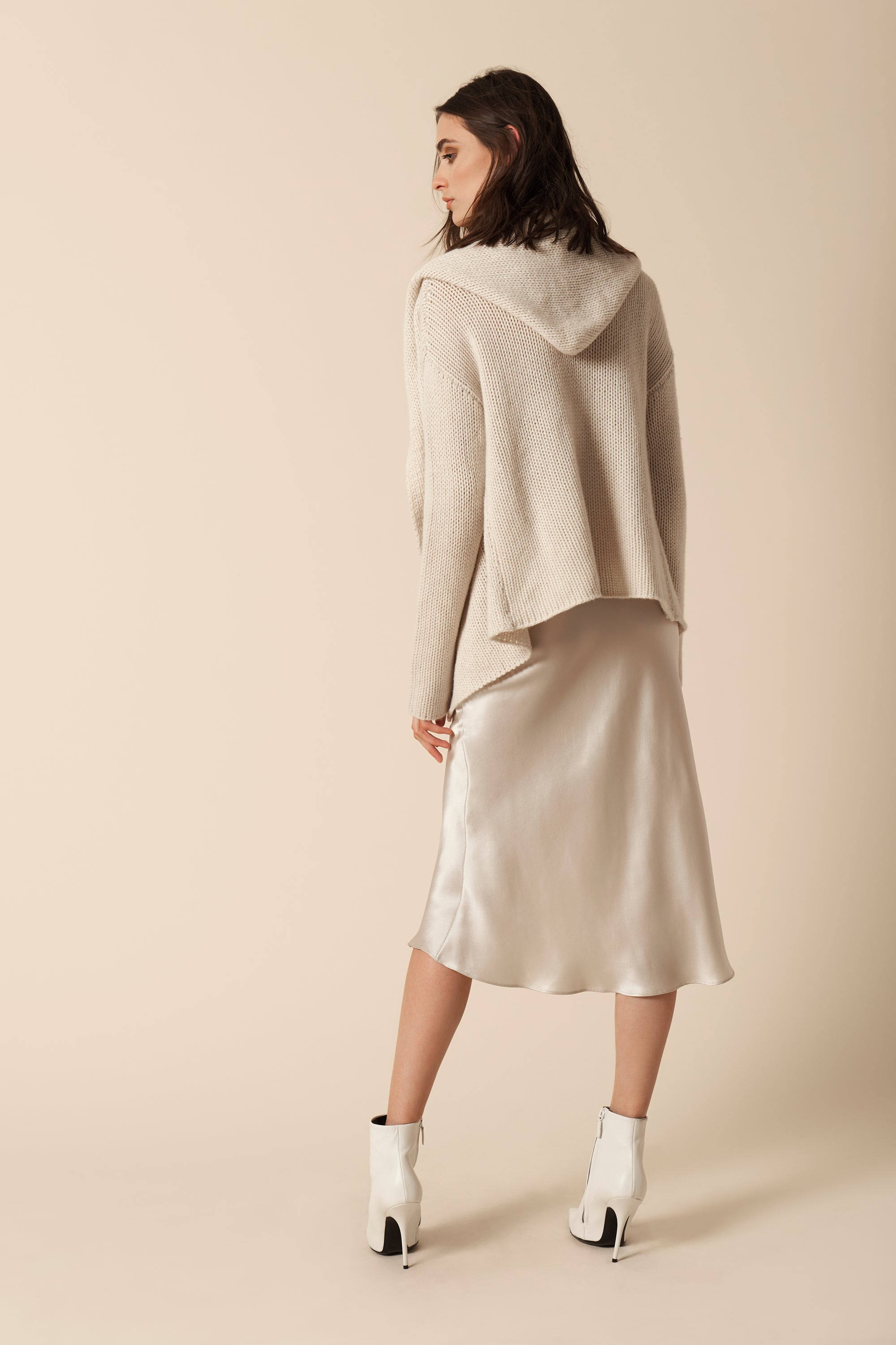 ISABELLE HOODED CASHMERE SWEATER | TUSCAN