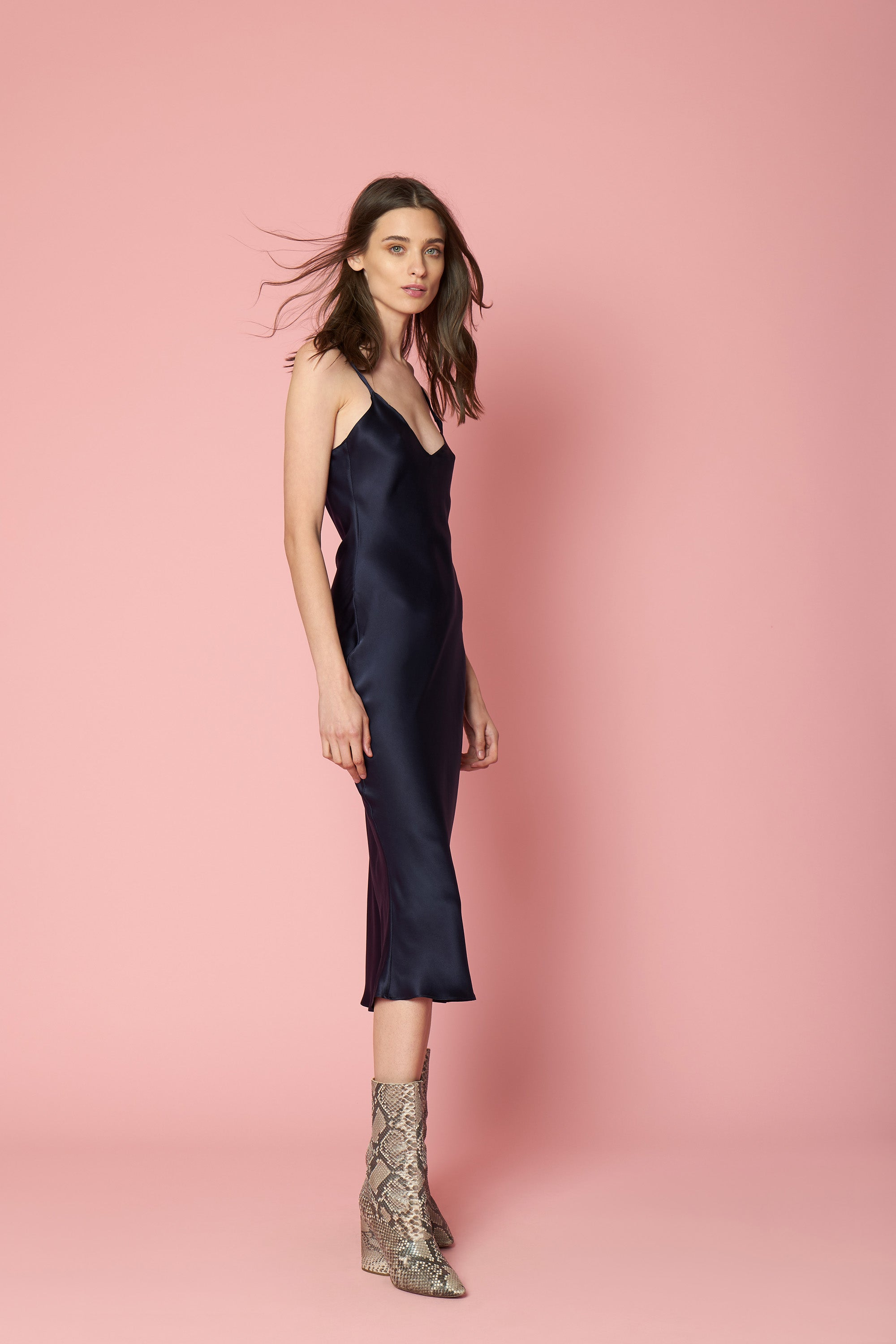 TAYLOR MID LENGTH DRESS | NAVY