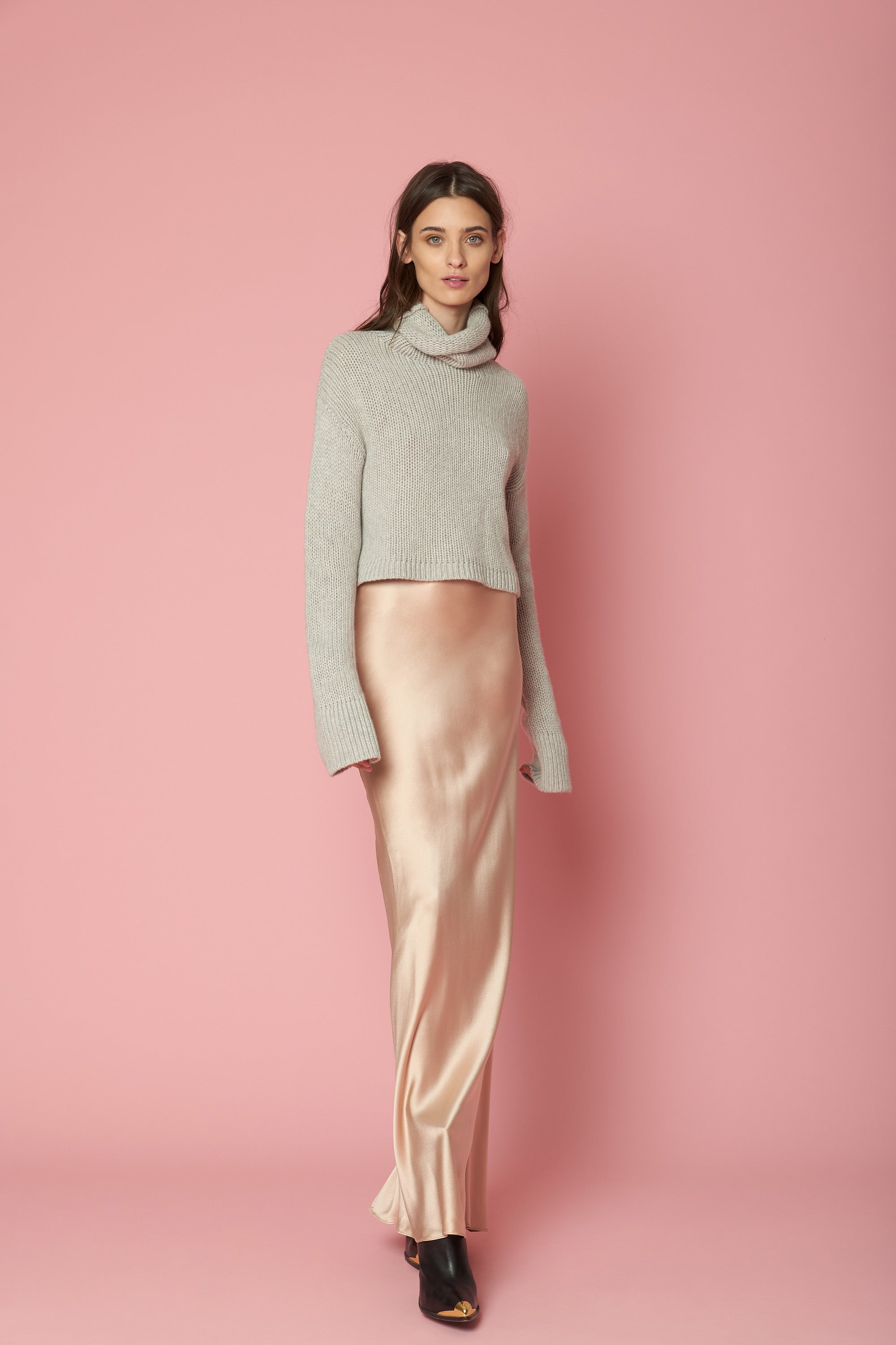 SHAY CROPPED CASHMERE TURTLENECK | BUFF