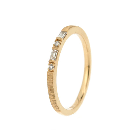 18K Yellow Gold Diamond Ring |  18K 黃金钻石戒指