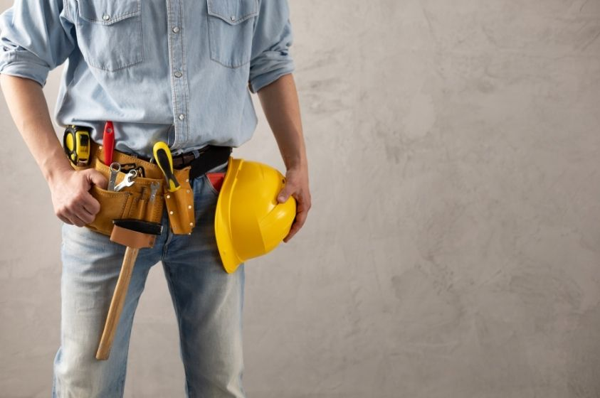 9 Things Every Construction Worker Needs in Their Tool Belt