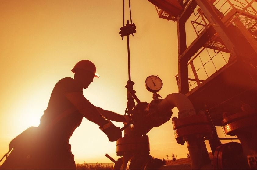 Protective Clothing Items Every Oil Worker Needs