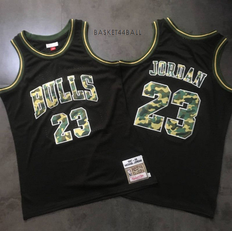 e8ca64b799f 23-MAILLOT-JORDAN-AIR-CAMOUFLAGES-MITCHELL   NESS-MITCHELL AND