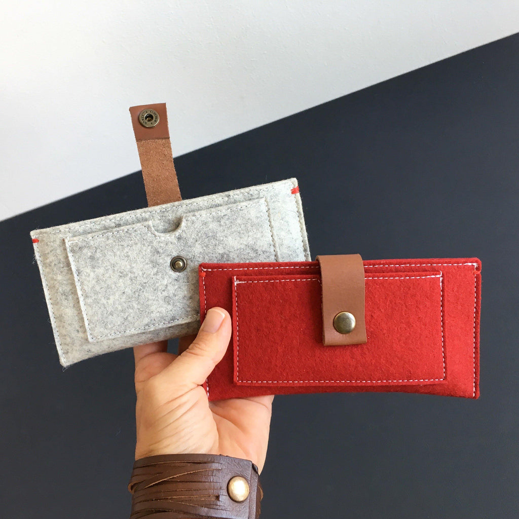 Iphone X wallet in grey and red