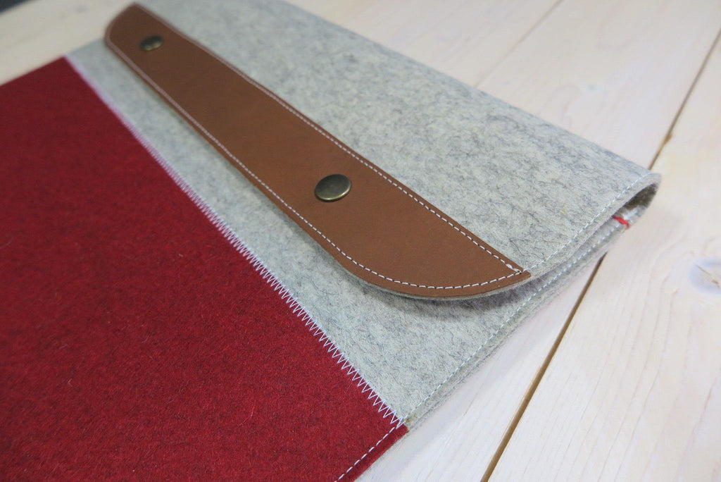 "Macbook Pro 15"" case in wool felt and leather with zipper"