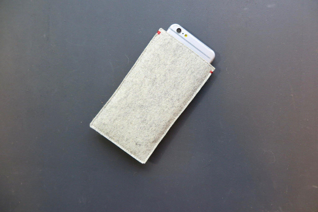 Minimalist style iPhone case made of natural materials