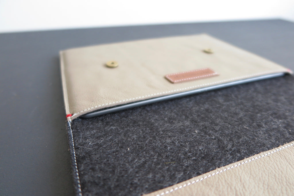 Ipad Pro 129 leather case with magnetic closure
