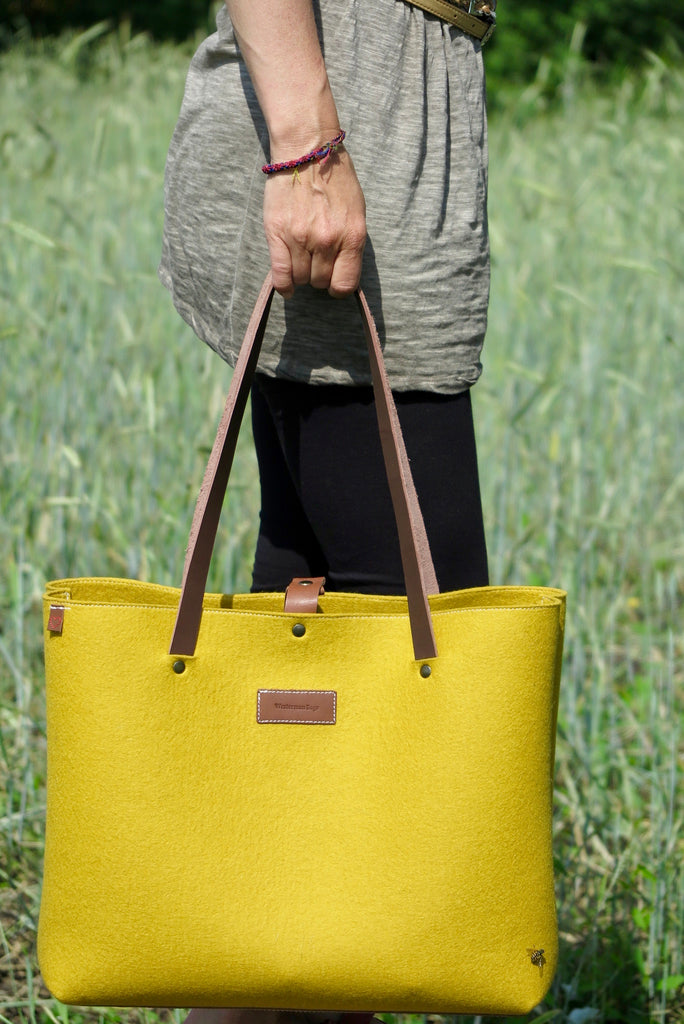 XL SHOPPER bag in yellow wool felt with leather handles