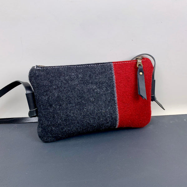 DAGTAS | contrast shoulderbag in black and red - rood en zwart