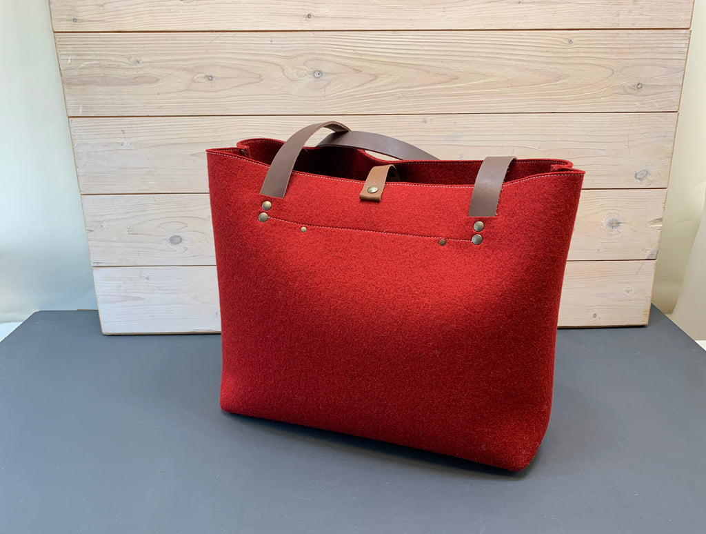 Large feltbag with leather handles