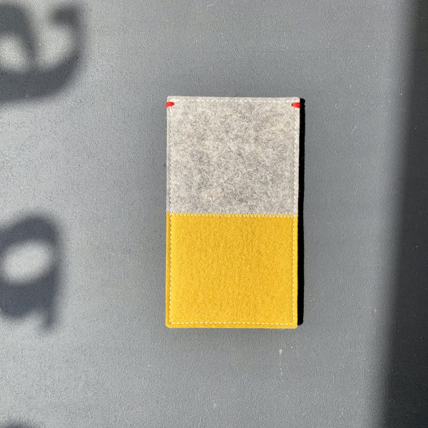 iPHone Xsmax felt case pure wool yellow grey