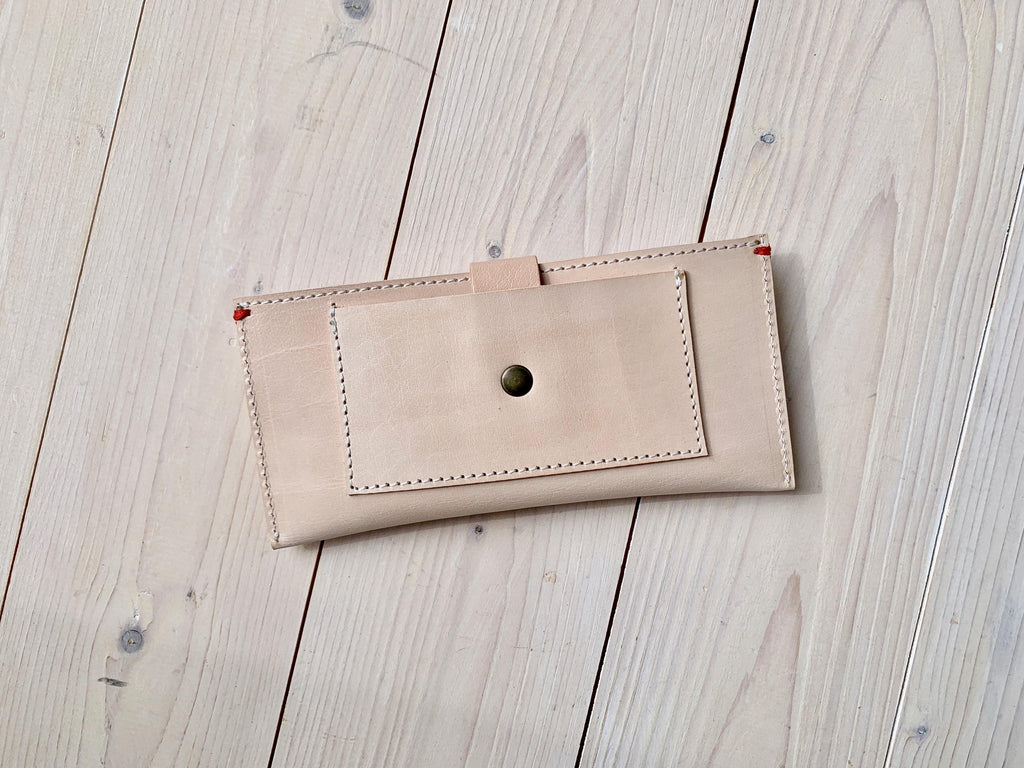 Iphone Wallet Nude Leder - All natural - Westerman Bags vilten tassen en hoezen. Dutch Design.