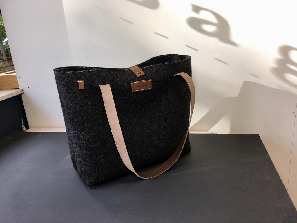 GRIFT XL TAS VILT - ANTRACIET - Westerman Bags vilten tassen en hoezen. Dutch Design.