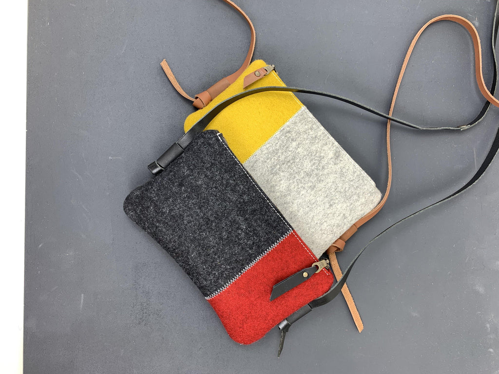 DAGTAS small felt bags with zipper
