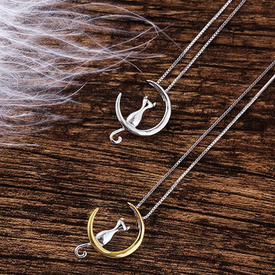 CAT ON THE MOON PENDANT NECKLACE FOR ALL CAT LOVERS IN GOLD OR SILVER FOR WOMEN AND GIRLS