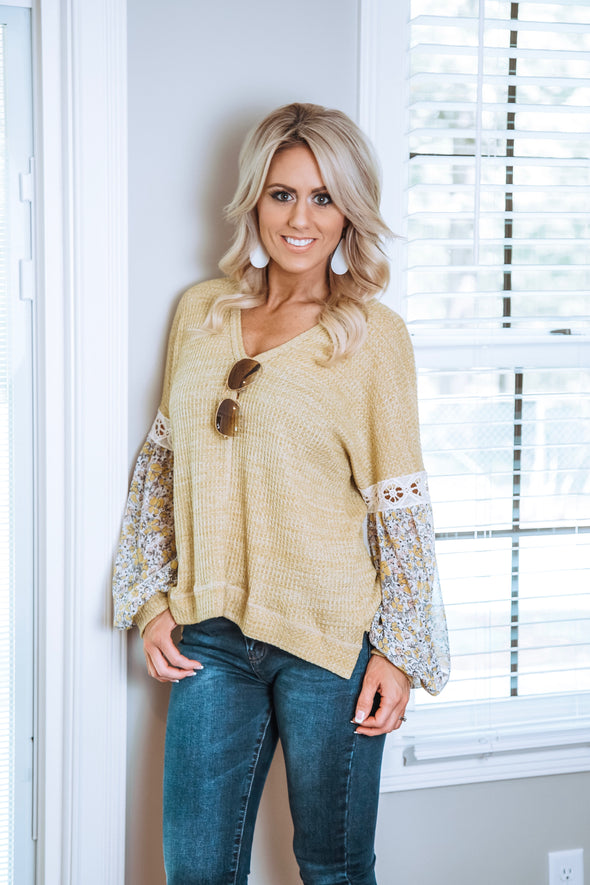 Ribbed Chiffon Floral Sleeve Top