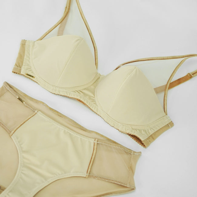 Full Coverage Bra & Hipster Panties in Pale Nude